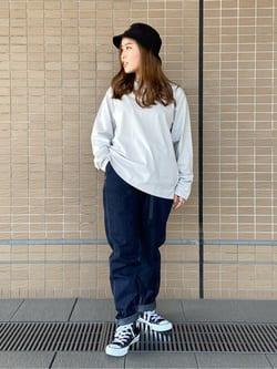 ルクア大阪のRunaさんのLeeの【ユニセックス】バックプリント 長袖Tシャツを使ったコーディネート