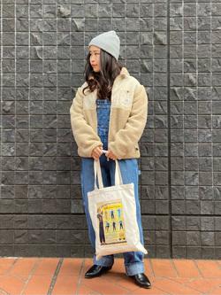 大阪店のRunaさんのLeeの【オールシーズン着回せる】オーバーオール テーパードを使ったコーディネート