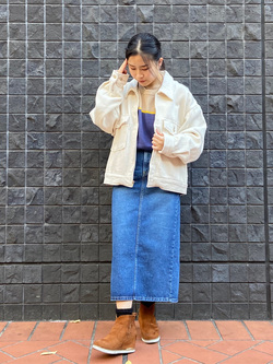 大阪店のRunaさんのLeeの扱いなしクルーネック ニットを使ったコーディネート