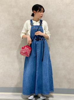 Lee 名古屋店のyuzukiさんのLeeの【予約】【Lee×GRAMICCI(グラミチ)】オーバーオール スカート【7月下旬頃発送予定】を使ったコーディネート
