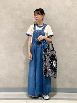 Lee 名古屋店のyuzukiさんのLeeのバンダナ柄トートバッグ/エコバッグを使ったコーディネート
