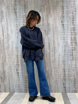Lee 名古屋店のyuzukiさんのLeeの【Winter sale】【ユニセックス】バックプリント クルーネツク長袖を使ったコーディネート