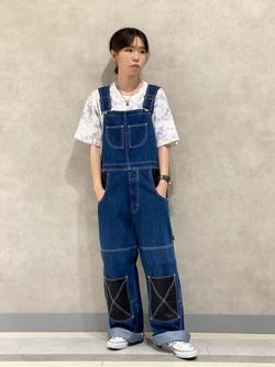Lee 名古屋店のyuzukiさんのLeeの【Pipes】オーバーオールを使ったコーディネート