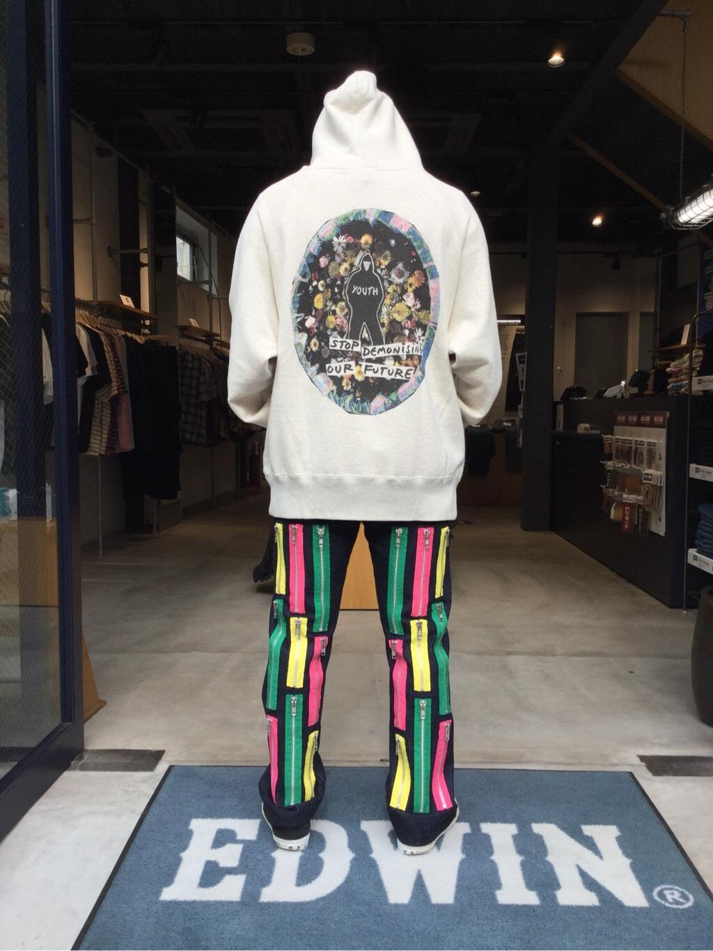 TOKYO HARAJUKU店のSHIZUKUさんのEDWINの【EDWIN × KIDILL × Jamie Reid】 Youth Print Hoodyを使ったコーディネート