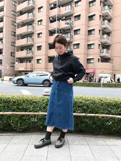 日暮里駅前店のIkumiさんのEDWINの【シークレットセーール!!】EDWIN LADIES STEP MARK ベイカースカートを使ったコーディネート