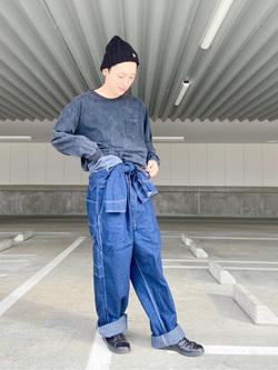 エスパル仙台店のkaedeさんのLeeの【男女兼用】ルーズシルエット ロングTシャツ/刺繍ロゴ/胸ポケットを使ったコーディネート