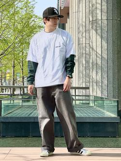 LINKS UMEDA店のKo-jiさんのEDWINのEDWIN x ニシクボサユリ アーティストコラボTシャツを使ったコーディネート
