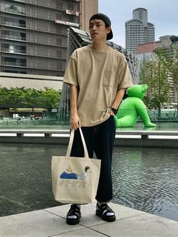 LINKS UMEDA店のKo-jiさんのEDWINの505 ワイドストレートを使ったコーディネート