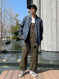 LINKS UMEDA店のKo-jiさんのEDWINの【直営店限定】オーバーオール(デックパンツ)を使ったコーディネート
