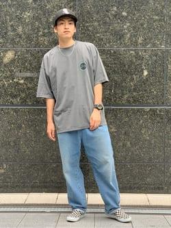 LINKS UMEDA店のKo-jiさんのEDWINの【SALE】ロゴプリント クルーネック Tシャツ 半袖(ピグメント加工)Bを使ったコーディネート