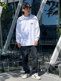 LINKS UMEDA店のKo-jiさんのEDWINの【ユニセックス】EDWIN x hime アーティストコラボTシャツを使ったコーディネート