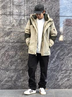 LINKS UMEDA店のKo-jiさんのEDWINの【Winter sale】F.L.E 袖ロゴ クルーネックスウェットを使ったコーディネート