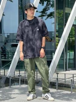 LINKS UMEDA店のKo-jiさんのEDWINの【SALE】F.L.E タイダイ染め クルーネック 半袖Tシャツを使ったコーディネート