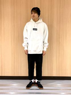 LINKS UMEDA店のKo-jiさんのEDWINの【シークレットセーール!!】カーゴパンツ[コットンツイル]を使ったコーディネート