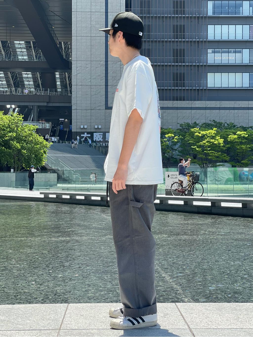 LINKS UMEDA店のKo-jiさんのEDWINの【EDWIN 60周年限定】 クルーネック 半袖Tシャツ Bを使ったコーディネート