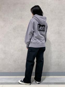 Lee 名古屋店の千さんのLeeの【ユニセックス】バックプリントロゴ パーカーを使ったコーディネート