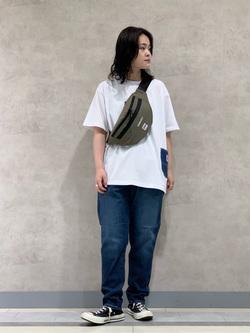 Lee 名古屋店の千さんのLeeの【SALE】爽快な穿き心地のリラックステーパード/イージーパンツを使ったコーディネート