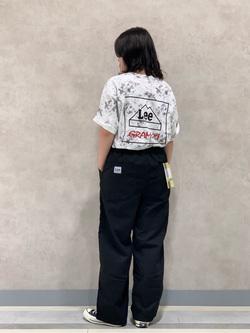 Lee 名古屋店の千さんのLeeの【Lee×GRAMICCI(グラミチ)】バックプリント 半袖Tシャツを使ったコーディネート