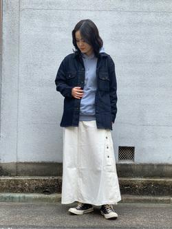 Lee 名古屋店の千さんのLeeのサイドボタンスカートを使ったコーディネート
