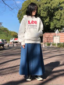 Lee 名古屋店の千さんのLeeの【ヘビーウエイト】プリントパーカー1を使ったコーディネート