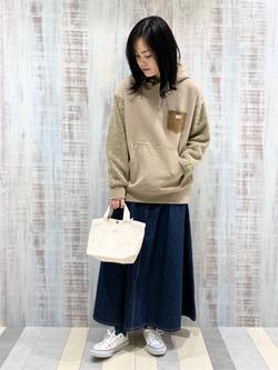 Lee 名古屋店の千さんのLeeのマキシスカートを使ったコーディネート