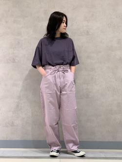 Lee 名古屋店の千さんのLeeの【ユニセックス】バッグロゴ 半袖Tシャツを使ったコーディネート