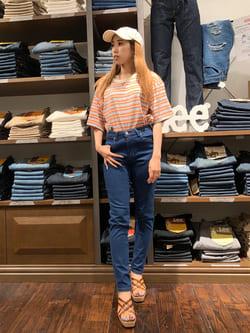 アミュプラザおおいた店のめいにゃんさんのLeeの終了【ガレージセール】マルチボーダー 半袖Tシャツを使ったコーディネート