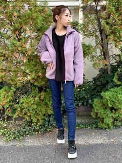 アミュプラザおおいた店のめいにゃんさんのLeeの【ユニセックス】フリースジップアップジャケットを使ったコーディネート
