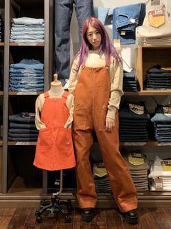アミュプラザおおいた店のめいにゃんさんのLeeの【110-150cm】キッズ ミリタリー サロペットスカートを使ったコーディネート