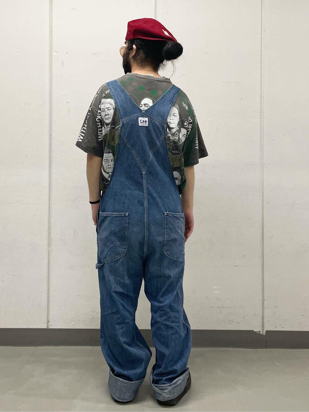 大阪店の上野さんのLeeの【年間ベストセラー】オーバーオールを使ったコーディネート