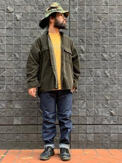 大阪店のUenoさんのLeeの【ユニセックス】ビッグフィット ワークシャツ(コーデュロイ)を使ったコーディネート
