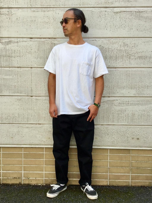 TOKYO HARAJUKU店のKEITAROさんのEDWINの【コンセプトショップ限定】REGULER TAPERED ボタンフライ 【レングス71.5cm】を使ったコーディネート