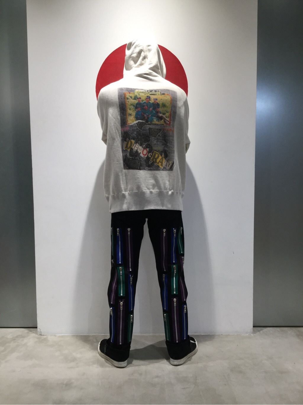TOKYO HARAJUKU店のKEITAROさんのEDWINの【EDWIN × KIDILL × Jamie Reid】 Loose Straightを使ったコーディネート