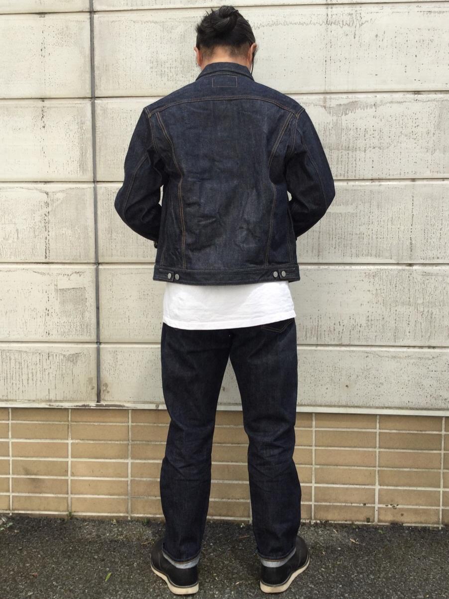 TOKYO HARAJUKU店のKEITAROさんのEDWINの【コンセプトショップ限定】REGULER TAPERED ボタンフライ 【レングス82cm】を使ったコーディネート