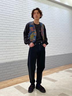 エスパル仙台店のすがきよさんのLeeのワンポイントロゴ刺繍ポケット付きTシャツ/長袖を使ったコーディネート
