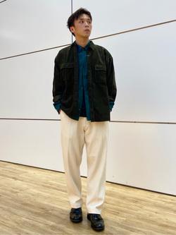 エスパル仙台店のすがきよさんのLeeの【ユニセックス】ビッグフィット ワークシャツ(コーデュロイ)を使ったコーディネート