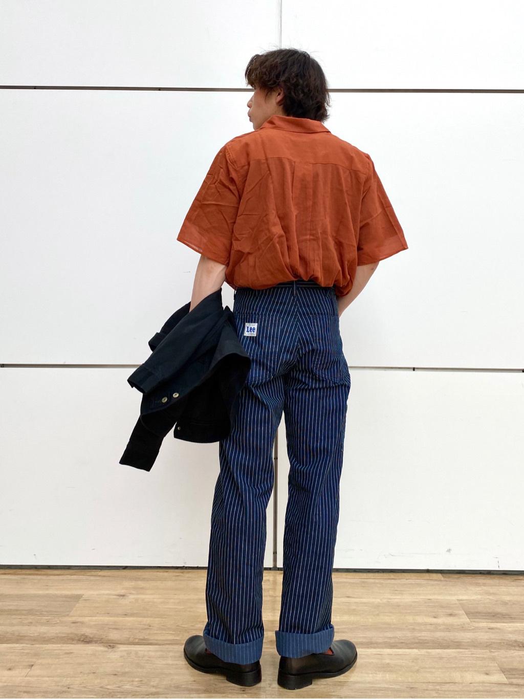 エスパル仙台店のすがきよさんのLeeの【ユニセックス】ワンポイントロゴ刺繍 半袖Tシャツを使ったコーディネート