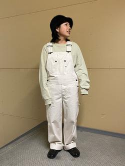 ららぽーと横浜のYukakoさんのLeeの【年間定番&ベストセラー】オーバーオールを使ったコーディネート