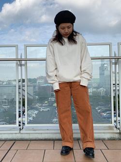 ららぽーと横浜のYukakoさんのLeeのSTANDARD WARDROBE レギュラーストレート(コーデュロイ)を使ったコーディネート