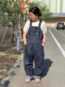 ららぽーと横浜のYukakoさんのLeeの【年間ベストセラー】オーバーオールを使ったコーディネート