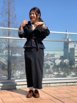 ららぽーと横浜のYukakoさんのLeeの【シークレットセーール!!】SEASONAL EDITION スリット スカートを使ったコーディネート