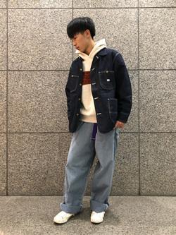 札幌パセオ店のTatsukiさんのLeeの【ヘビーウエイト】プリントパーカー3を使ったコーディネート