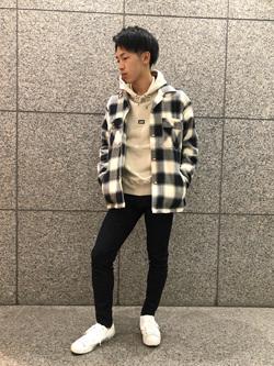 札幌パセオ店のTatsukiさんのLeeの【トップス15%OFFクーポン対象】【さらっと羽織れる】シャツジャケットを使ったコーディネート