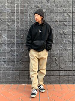 大阪店のmotomiさんのLeeの【ユニセックス】フリースプルオーバーを使ったコーディネート