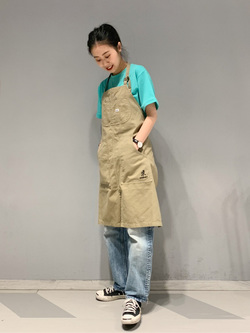 大阪店のmotomiさんのLeeの【Lee×GRAMICCI(グラミチ)】エプロンを使ったコーディネート