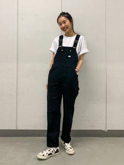 大阪店のmotomiさんのLeeの【オールシーズン着回せる】オーバーオール テーパードを使ったコーディネート