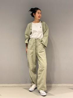 大阪店のmotomiさんのLeeの【SPRING SALE】ノーカラージャケット/カーディガンを使ったコーディネート