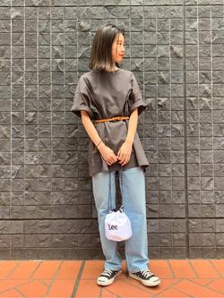 大阪店のmotomiさんのLeeの終了【シークレットセーール!!】【男女兼用】着こなしで選ぶ ビッグフィット Tシャツ 大人 150cm-180cmを使ったコーディネート