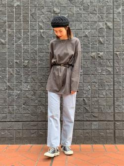 大阪店のmotomiさんのLeeのSTANDARD WARDROBE レギュラーストレート(コーデュロイ)を使ったコーディネート