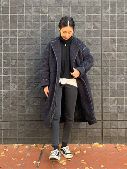 大阪店のmotomiさんのLeeの【寒い冬もあたたかい】ロングボアジャケットを使ったコーディネート